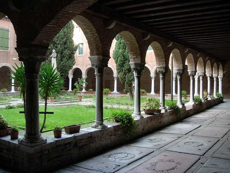 Il chiostro di San Francesco della Vigna